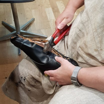 one-day shoemaking course