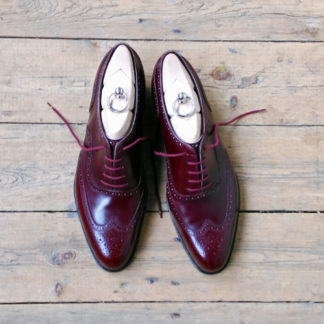 wing-cap brogue oxford shoe