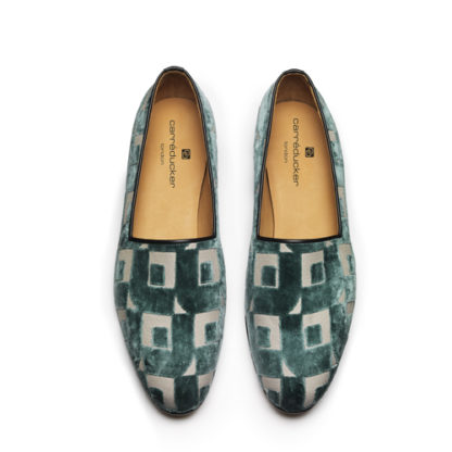 Summer resort shoes