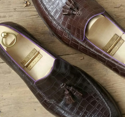 Hand stitched vamp on Carreducker bespoke loafers