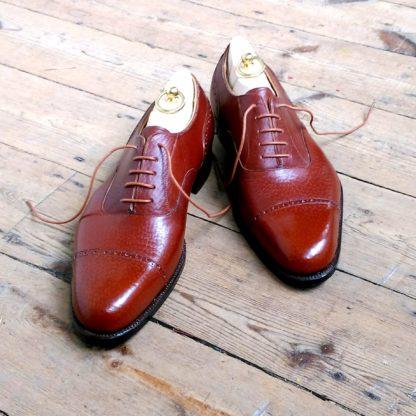 Grain leather shoes