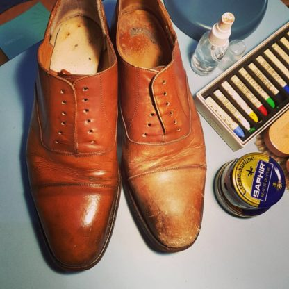 Carreducker shoe shine and moon shine