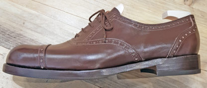 Oxford - brogue straight toecap - profile