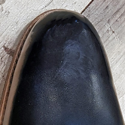 Plain toe on shoe