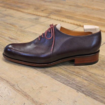 burgundy wholecut shoe