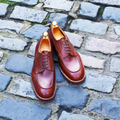 round toed derby shoes