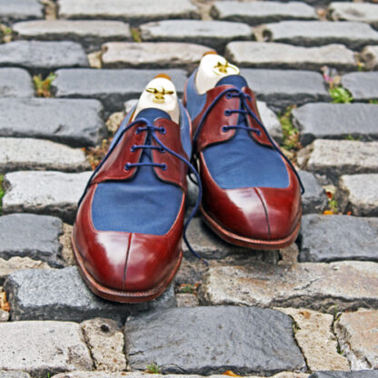saddle derby shoe with blue laces