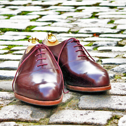 burgundy saddle oxfords with burgundy laces