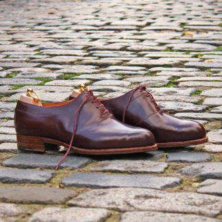 saddle oxford shoe in burgundy box calf
