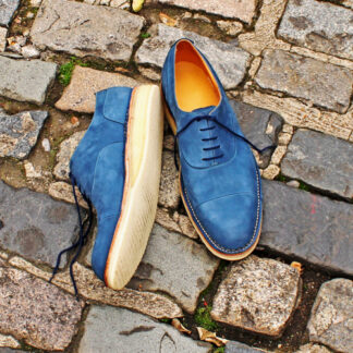 hybrid oxford shoe in blue Nubuck and crepe sole