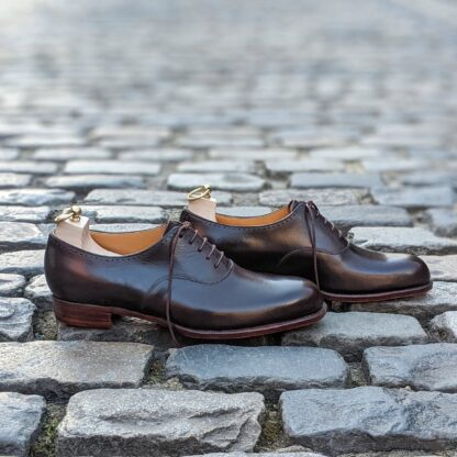 dark brown bespoke oxfords with trees