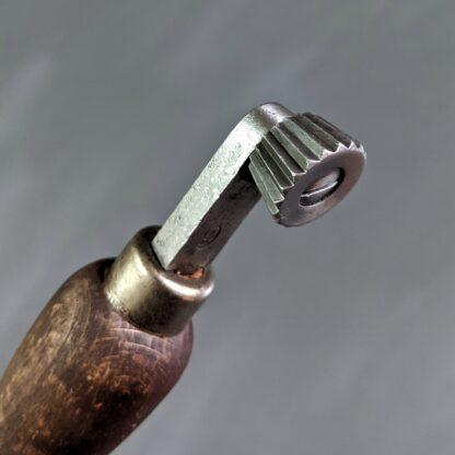 vintage fudge wheel 9 spi head detail with teeth